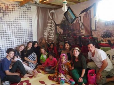 Avec une famille de syriens