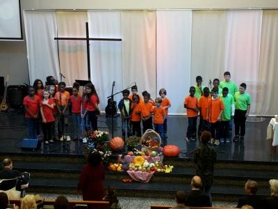 5_Louange avec la chorale d'enfants