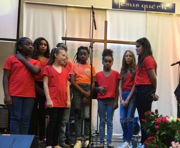 2_Louange avec la chorale d'enfants